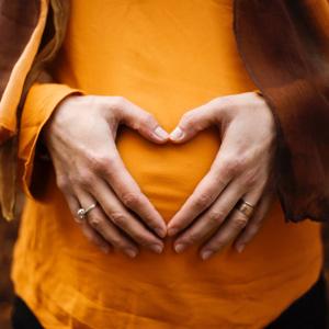 Jak pielęgnować skórę w czasie ciąży i karmienia piersią?