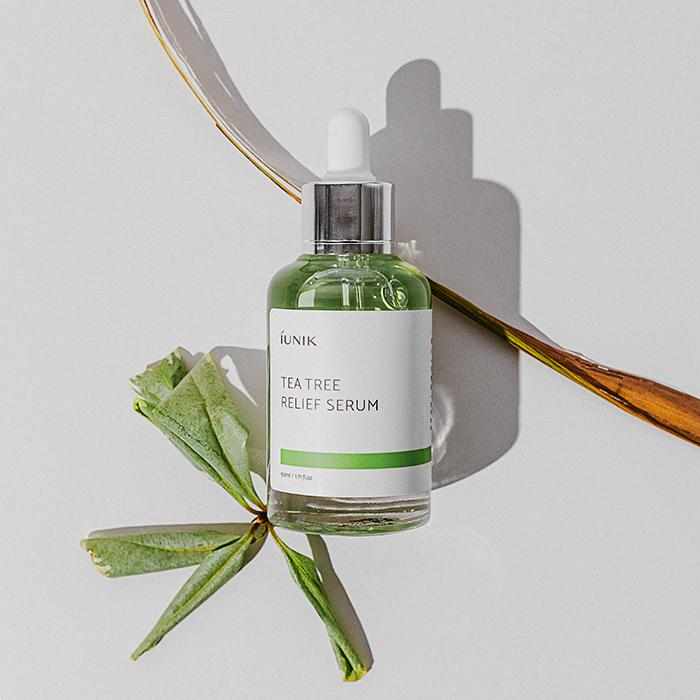 iunik - Tea Tree Relief Serum - Sérum pro problematickou plet' s vodou z listů čajovníku